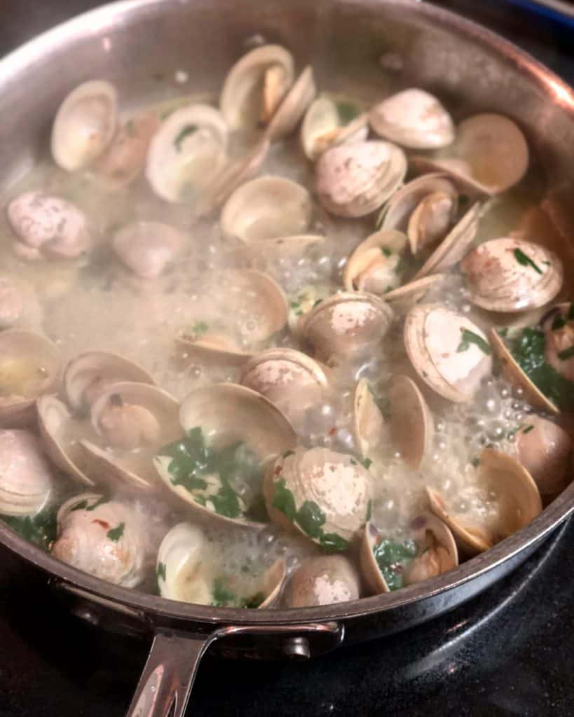 butter, oil, garlic for spaghetti with clams