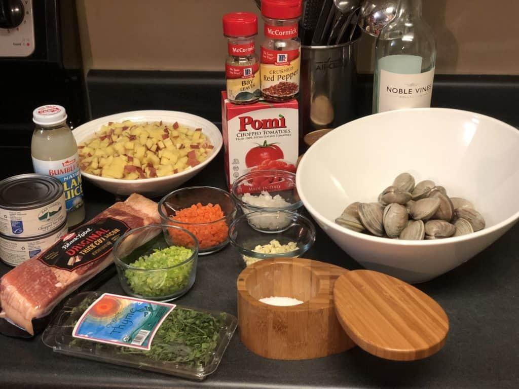 ingredients for manhattan clam chowder