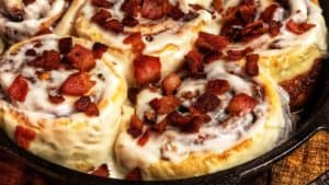 cinnamon rolls with bacon pieces