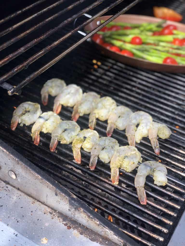 shrimp kabobs grilling