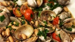 clams with sausage and beans