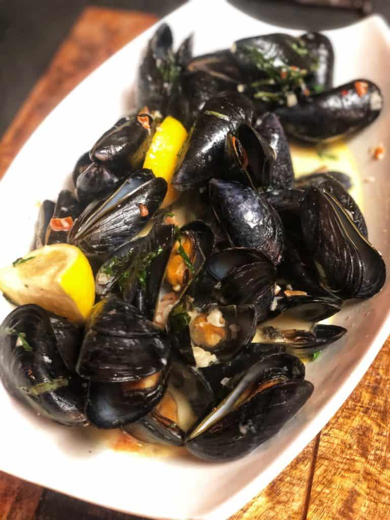 Mussels in a Sambuca Cream Sauce displayed in a bowl