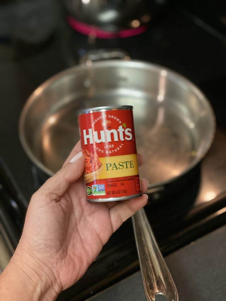 a can of tomato paste