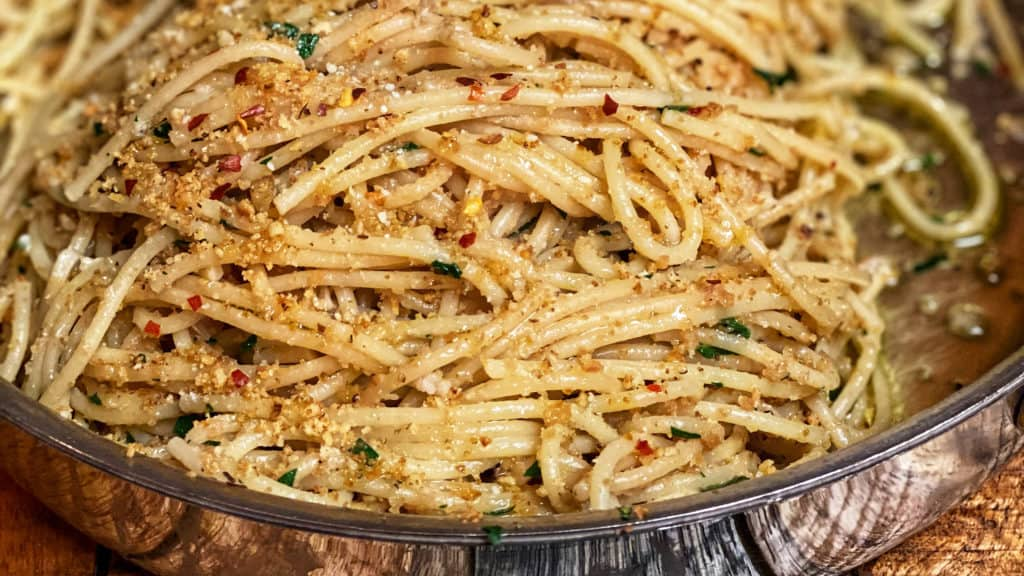 pasta with anchovies and breadcrumbs