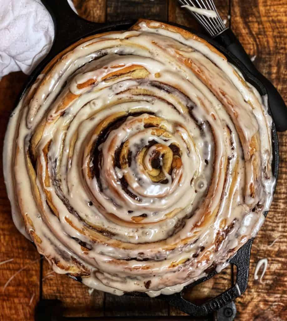 cast iron cinnamon roll