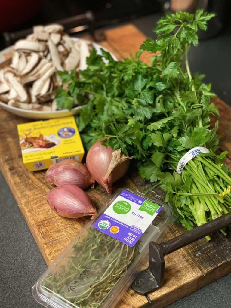 ingredients for mushroom sauce for creamy polenta