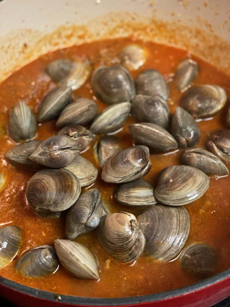 fresh clams in red sauce